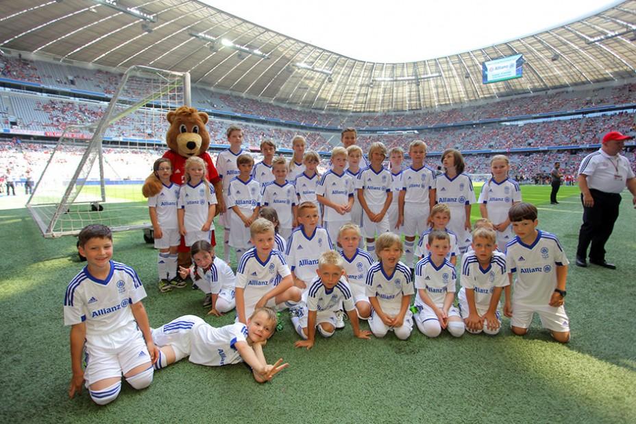 Kleine Champions: Einlaufkinder bei der Allianz FC Bayern Team Presentation
